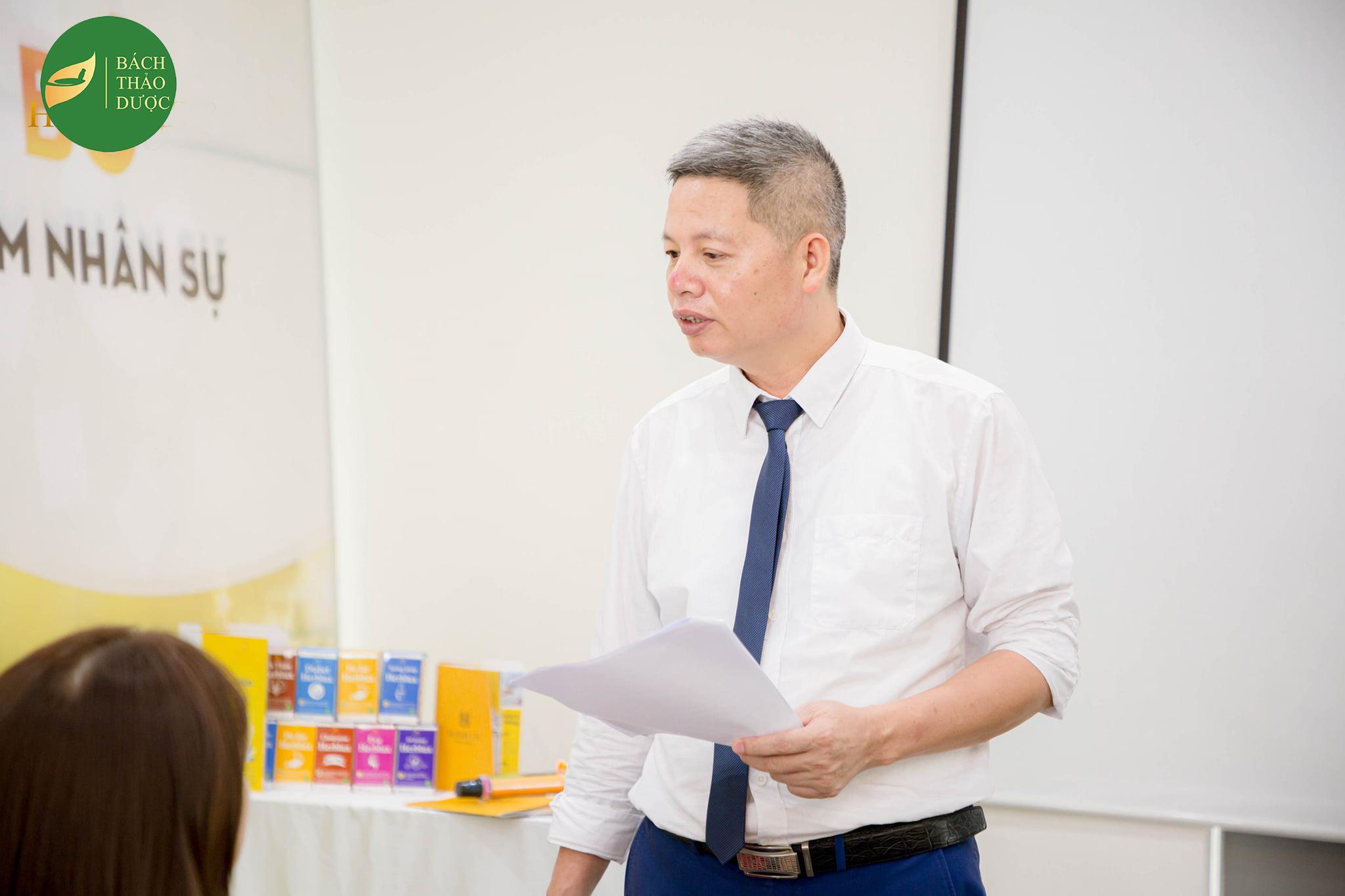 Tổng Giám đốc Công ty TNHH Bách Thảo Dược - BS Phạm Văn Thọ - Vị thuyền trưởng tài ba đưa con thuyền Bách Thảo Dược vươn ra biển lớn